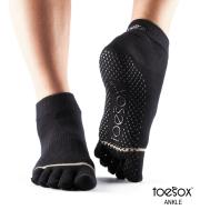 Нескользящие носки для йоги черные L Toesox Ankle Full GRIP FT6 841090108340