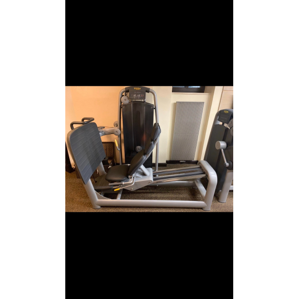 Тренажер для мышц пресса Technogym M983 TOTAL ABDOMINAL б/у